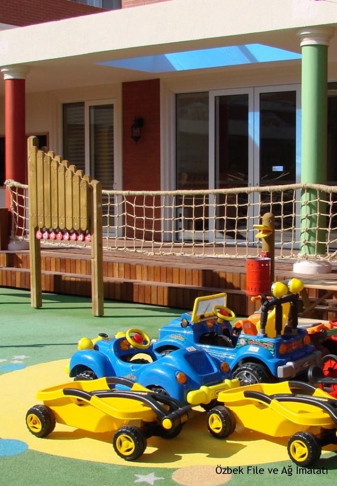 Çocuk parkı korkuluk filesi
